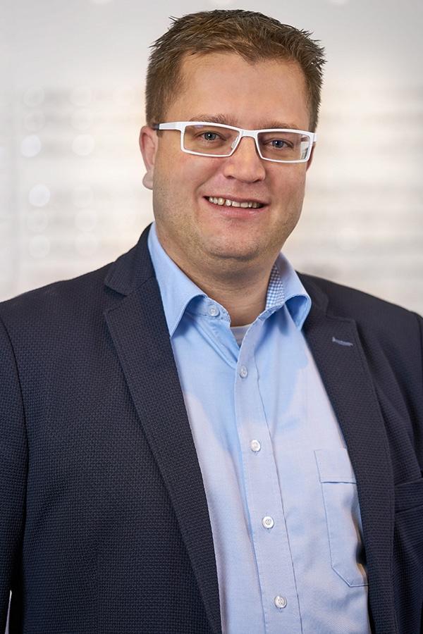 Kai Dormann, Augenoptikermeister