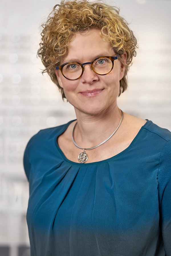 Simone Nuhn, Augenoptikermeisterin