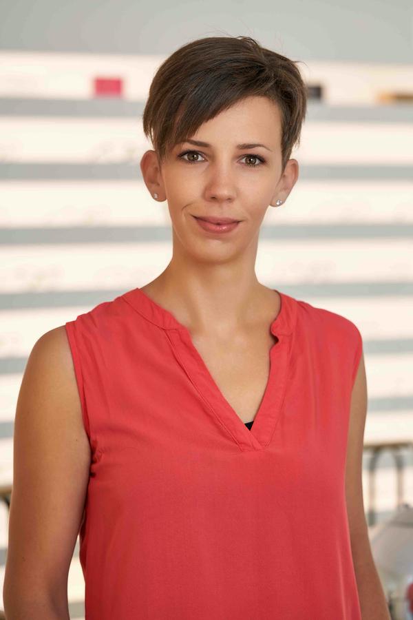 Selina Günther, Augenoptikerin